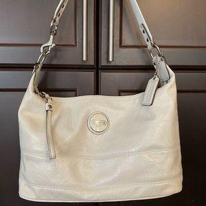 COACH White/Cream patent leather bag